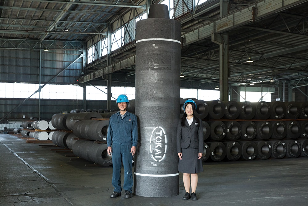 The world's biggest graphite electrodes, 32 inches in diameter